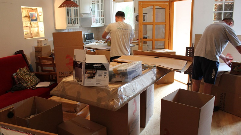 Effective Tips for Packing and Moving a Craft Room