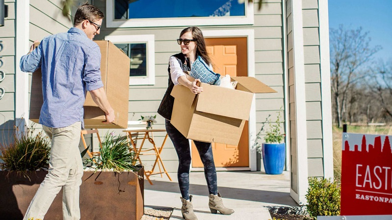A Pooch Proprietor's Manual for Moving into Another Home